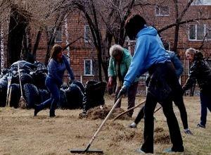 Саяногорцы выходят на уборку города