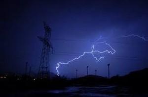 В Хакасии удары молний расщепили опоры ЛЭП и оставили без света несколько населенных пунктов