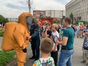Пожарные устроили праздник для саяногорцев