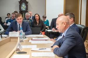Валентин Коновалов потребовал от руководителей муниципальных образований ускорить получение паспортов готовности к отопительному сезону