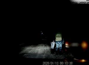 В Саяногорске пьяная автолюбительница сама позвонила в полицию